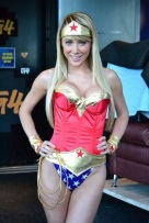 sara-jean-underwood-wonder-woman